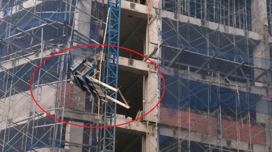 TP.HCM: Đứt cáp thang vận, 1 người ngã từ trên cao xuống đất nguy kịch