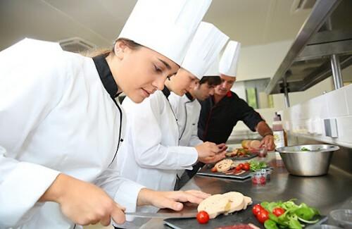 Huấn luyện trong nấu, chế biến suất ăn công nghiệp