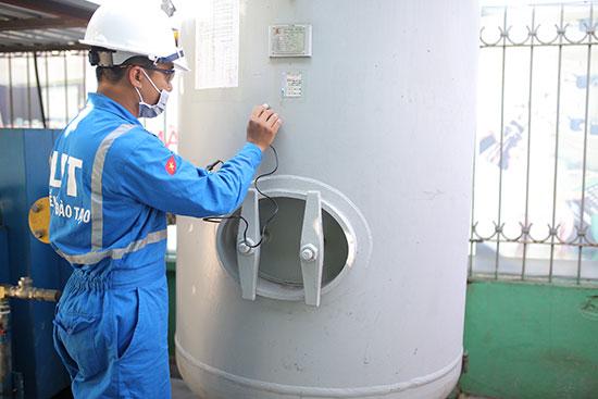 Huấn luyện an toàn thiết bị áp lực